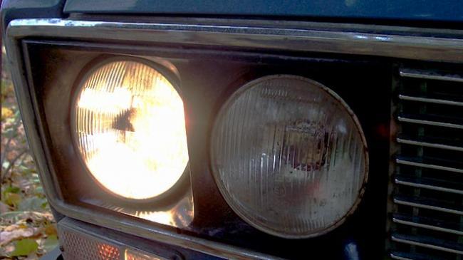 Gorit-svet-ot-avtomobilya.jpg