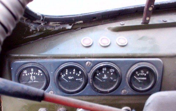 kontrolnye-pribory-uaz-452-600x377.jpg
