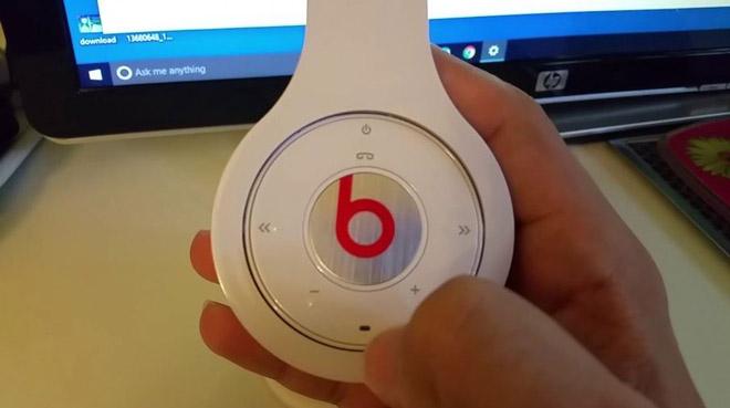 Bluetooth-headphones.jpg