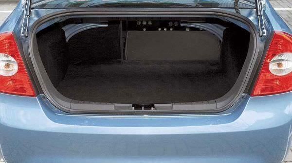 ne-otkryvaetsja-bagazhnik-ford-fokus-3-sedan_1.jpg