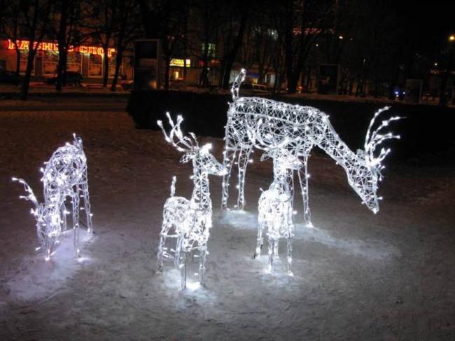 Glowing-figures-650x487.jpg