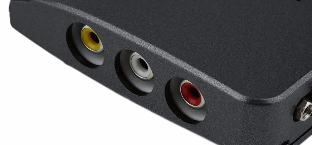 RCA-vyhody-na-bokovoj-paneli-pristavki-dlya-monitora.jpg