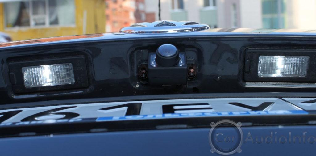 ustanovlenaya-kamera-zadnego-hoda-1024x505.jpg
