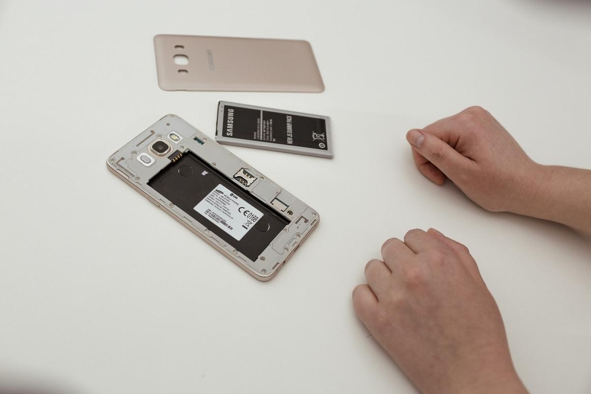 Что делать, если Samsung Galaxy завис и не реагирует на нажатия