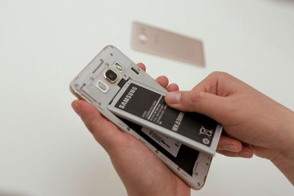 Sposoby-perezagruzki-telefona-Samsung-6.jpg