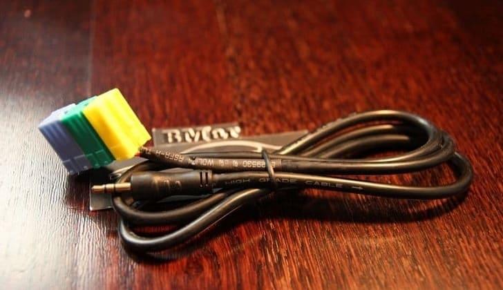 Kabel-lineynogo-vyihoda-Auks.jpg