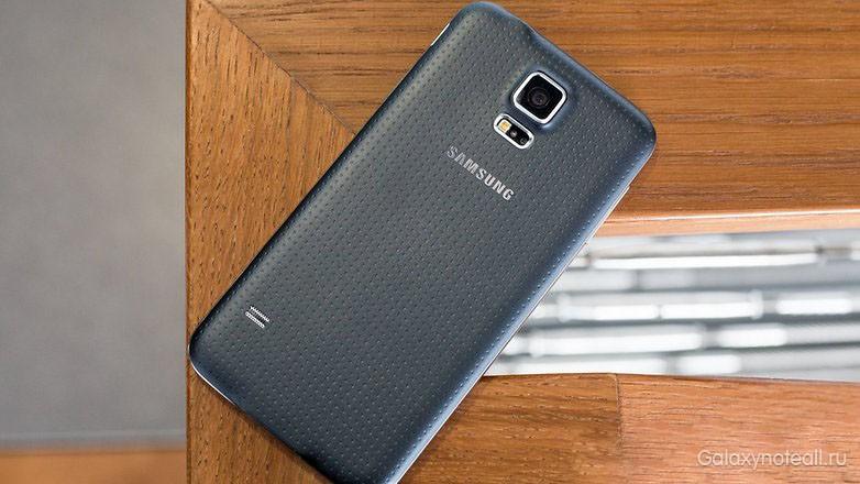esli-vash-telefon-prosto-lezhit-vot-tak-to-problema-mozhet-zaklyuchatsya-v-akkumulyatore.jpg
