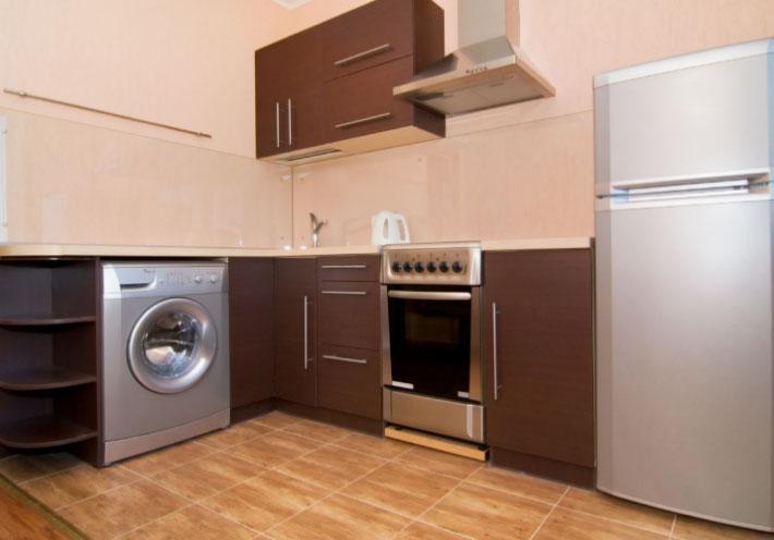 Стиральная-машина-на-красивой-кухне.jpg