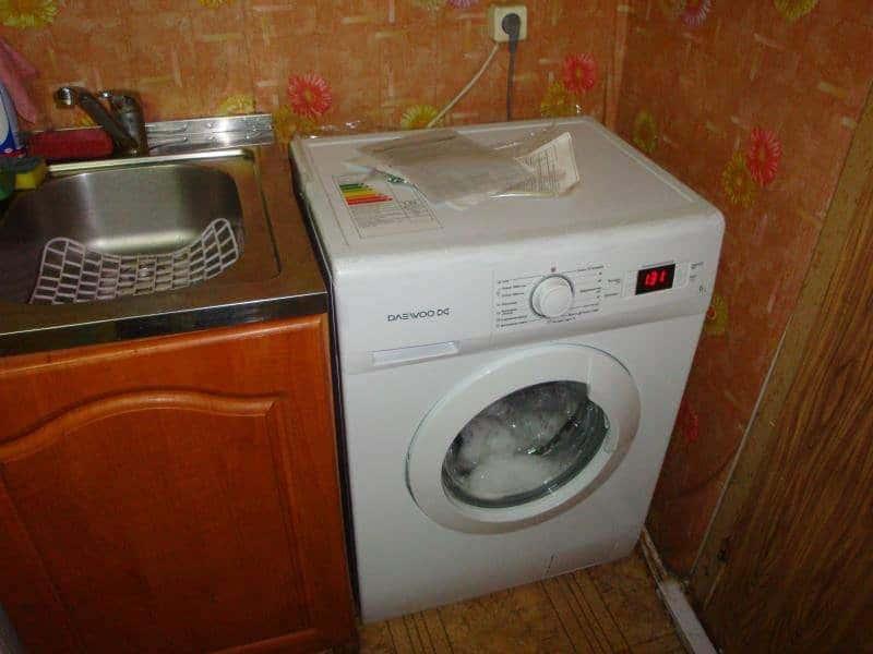 вопрос-установки-стиральной-машины-на-кухне.jpg